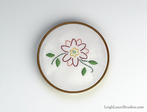 Tp flower in hoop