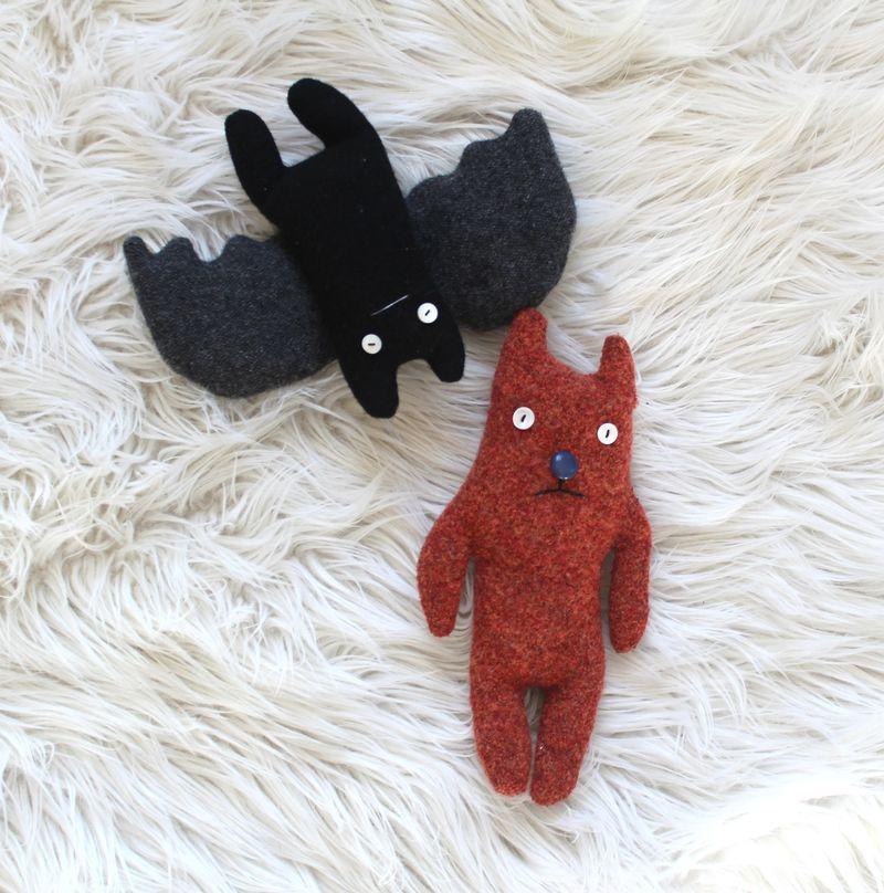 Sweater cat and bat