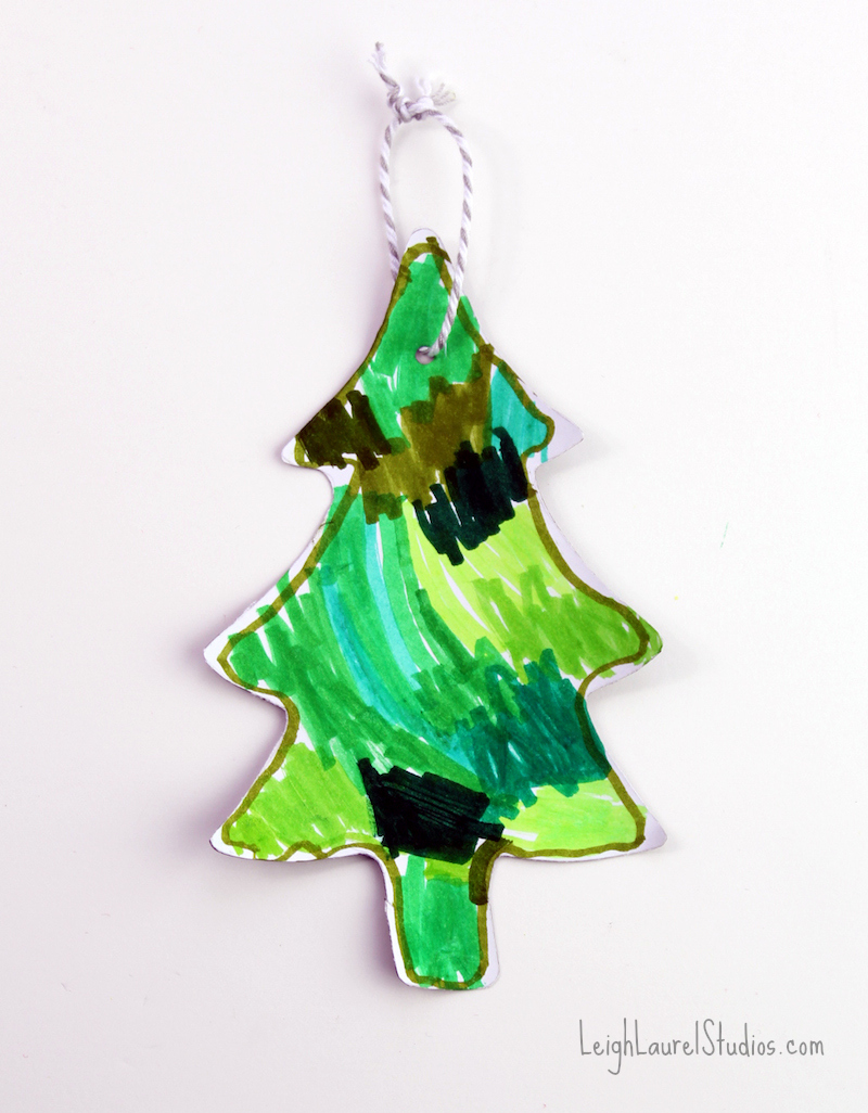 Magnetic gift tag tree