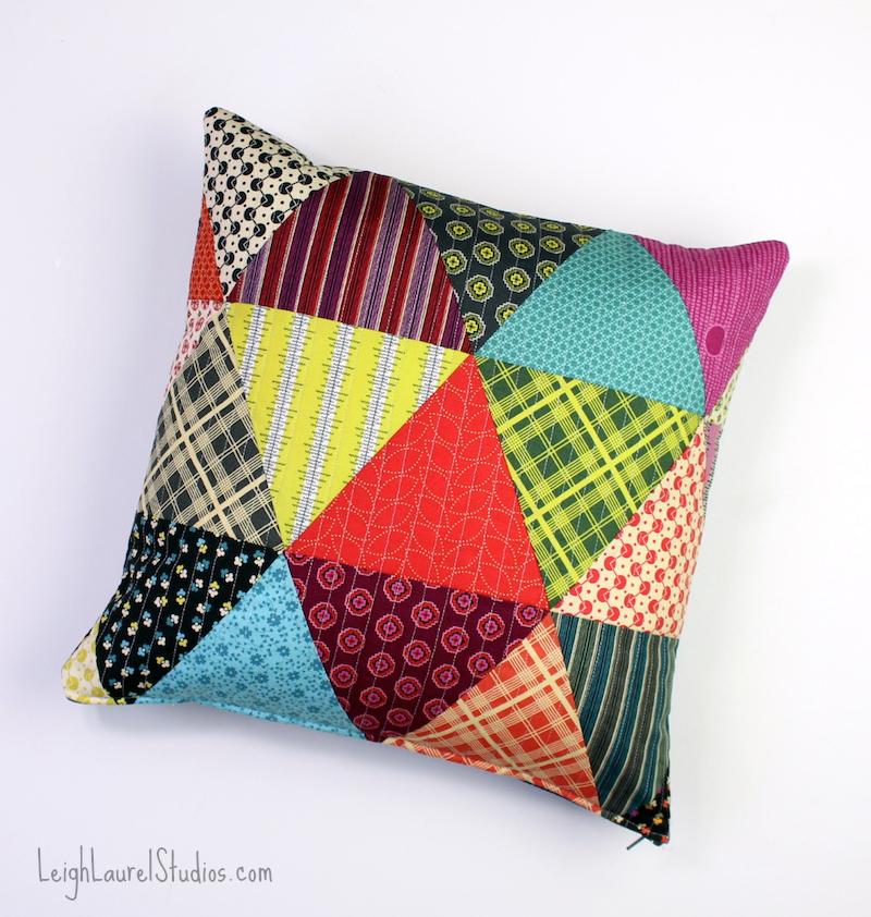 Tutorial De Cojines De Patchwork.Tutorial Patchwork Triangle Pillows Karin Jordan Studio