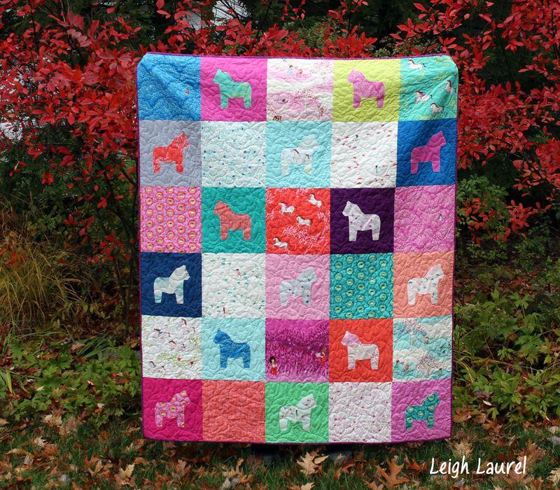 Dala horse quilt -by karin jordan