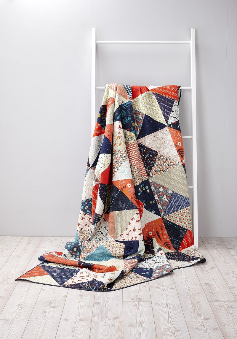 Color blind quilt by karin jordan of leigh laurel- cover of quilt now magazine issue 18
