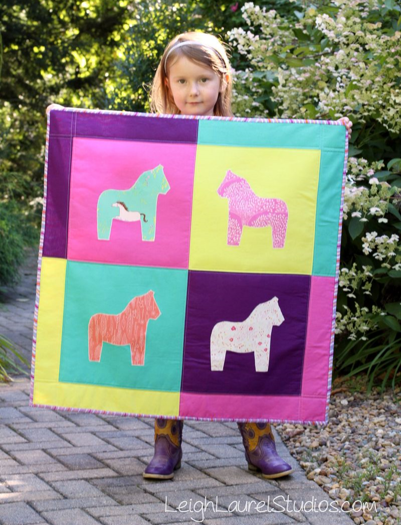 Dala Horse Wall Hanging - a Sizzix tutorial by Karin Jordan