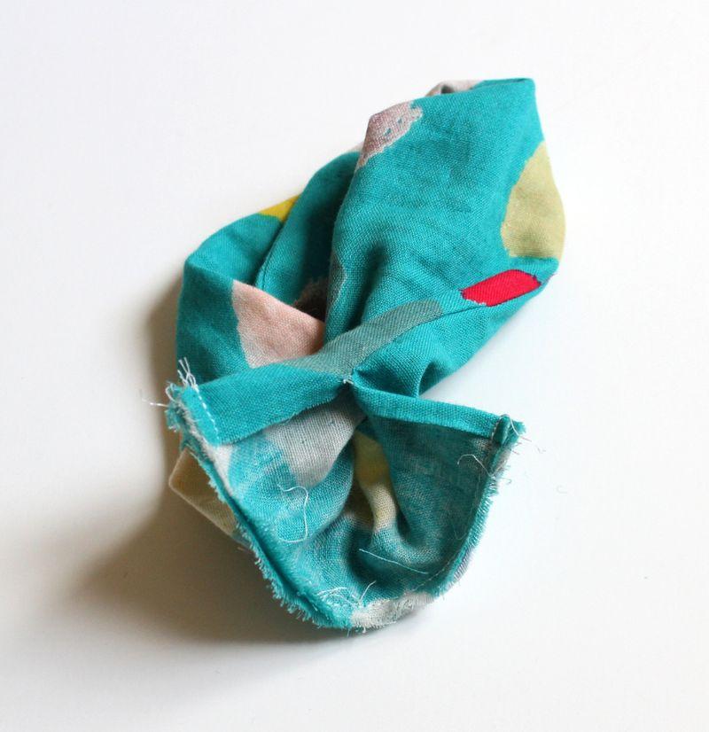 AG infinity scarf E