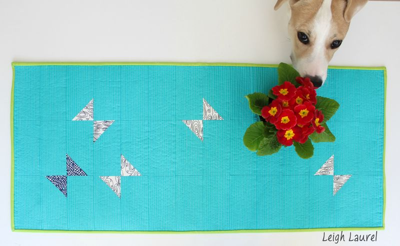 Table runner with dog - a tutorial by karin jordan
