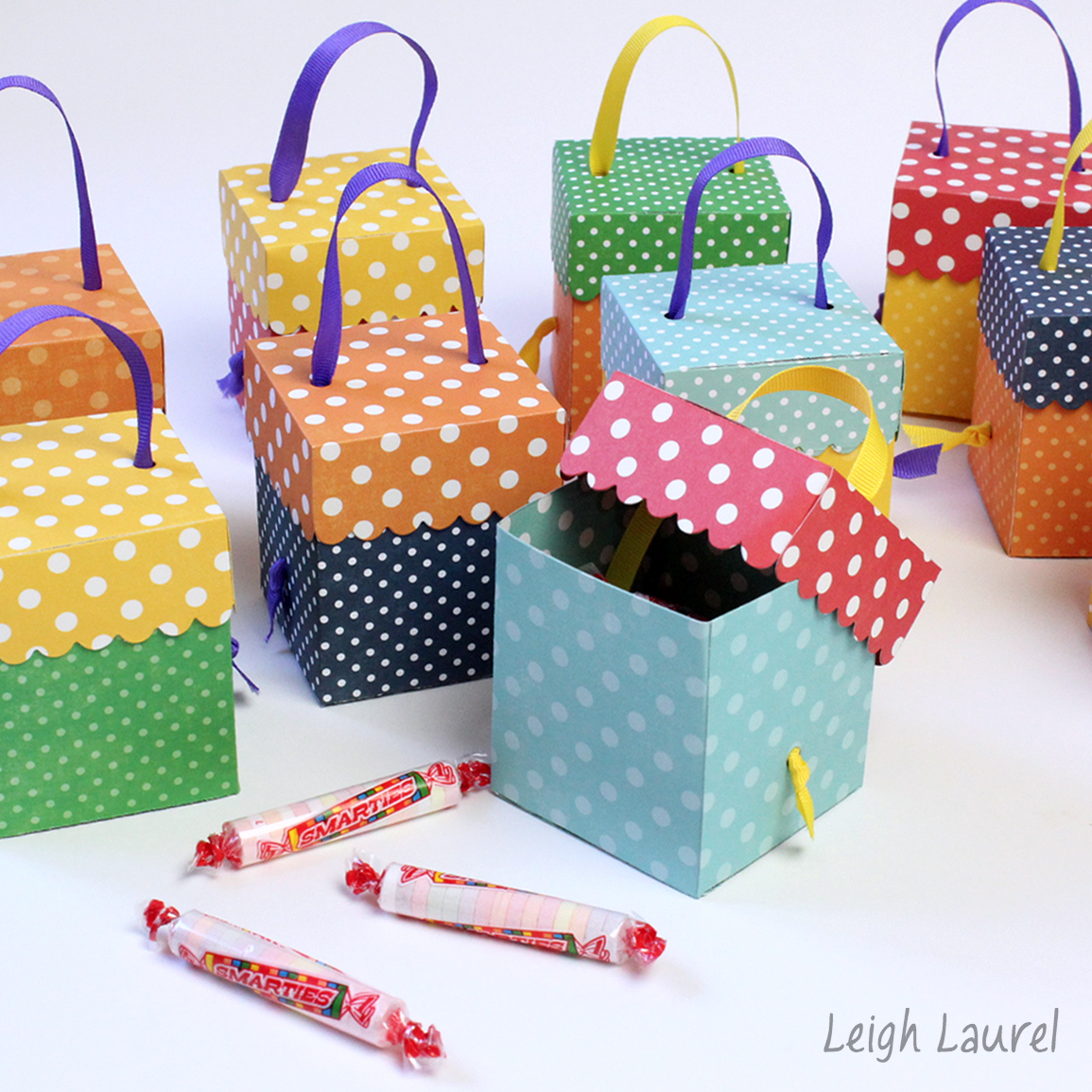 Birthday Party Favor Boxes Made By Karin Jordan Using The Sizzix Scallop Box Die