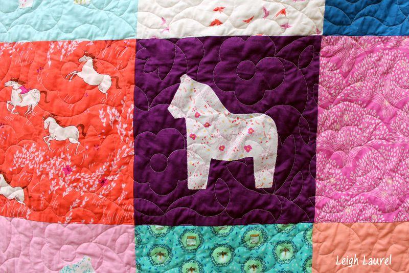 Dala horse quilt by karin jordan -detail