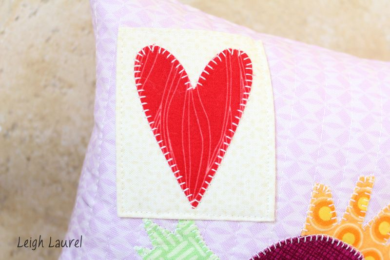 Tooth fairy pillow - tutorial by karin jordan - pocket detail
