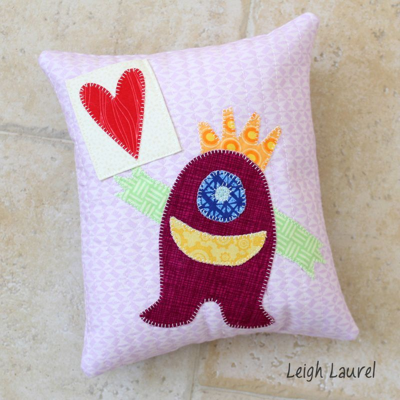Tooth fairy pillow - tutorial by karin jordan
